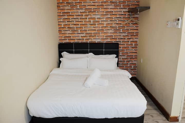 Natol Motel - Paris (Double Room with Bathroom)