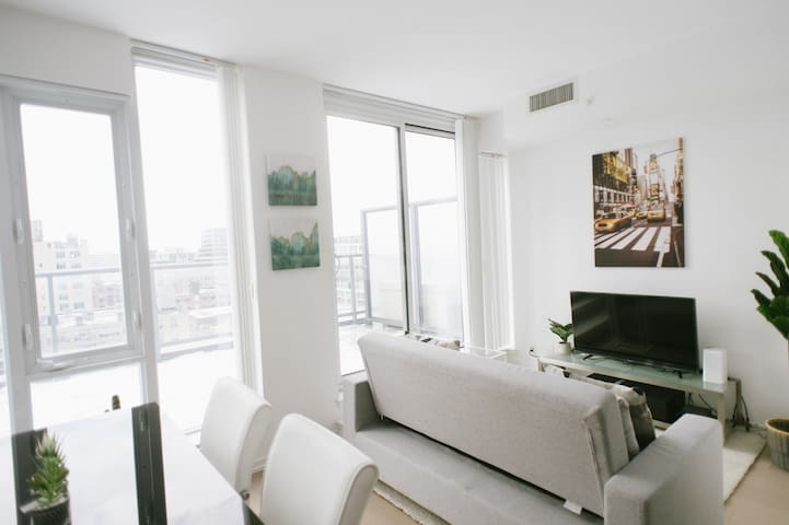 Stylish King West Condo Downtown + Huge Balcony!