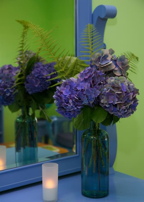 Fiddlehead suite's fresh flowers from the gardens