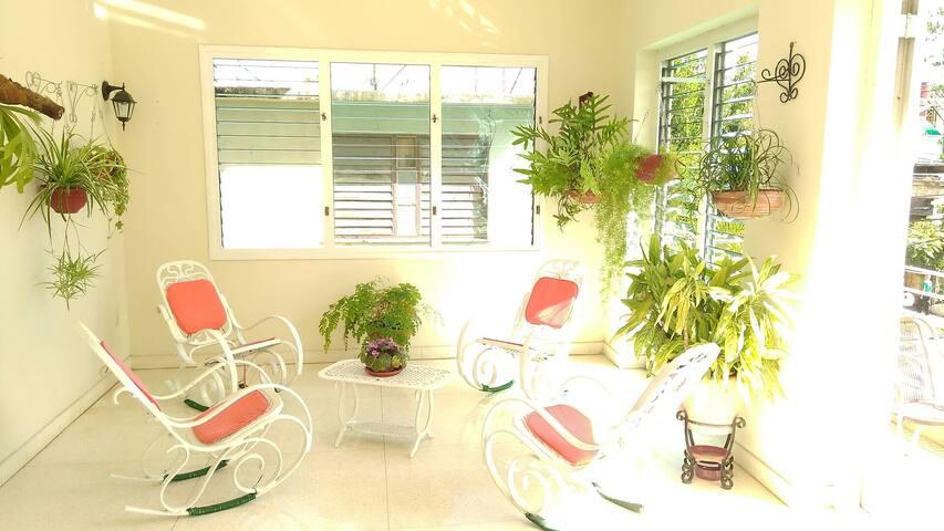 Fresh Apartment in Vedado Havana