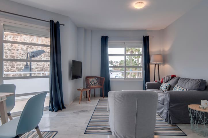 Apartment in the center of La Cala with sea views