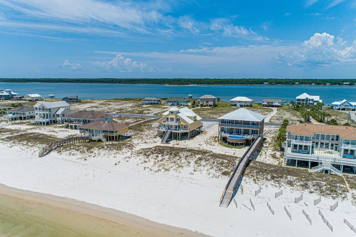 Gulf front home w/ beautiful views, a private pool, outdoor shower & more!