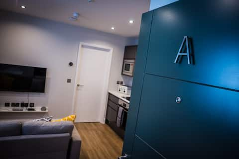 Central Abergavenny 1-bed Renovated Apartment