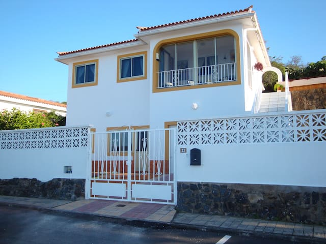Apartment overlooking the sea - El Sauzal
