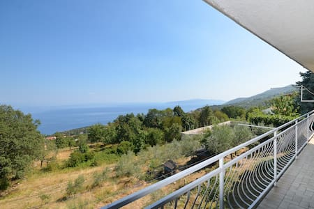 Apartment Babiloni with a breathtaking sea view