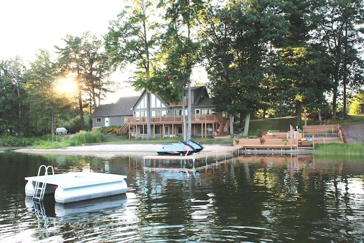 West Michigan Lake House - Suite - Gowen - Rumah