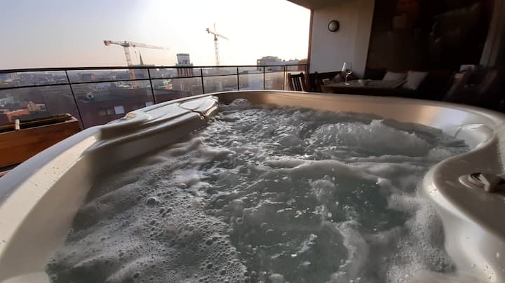 Au Bain Marie - Penthouse with jacuzzi and parking