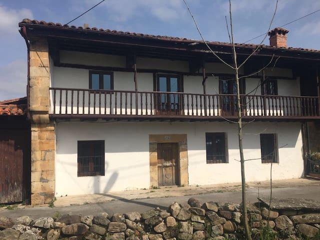 Casa rústica en paraje maravilloso - Corvera de toranzo - Rumah