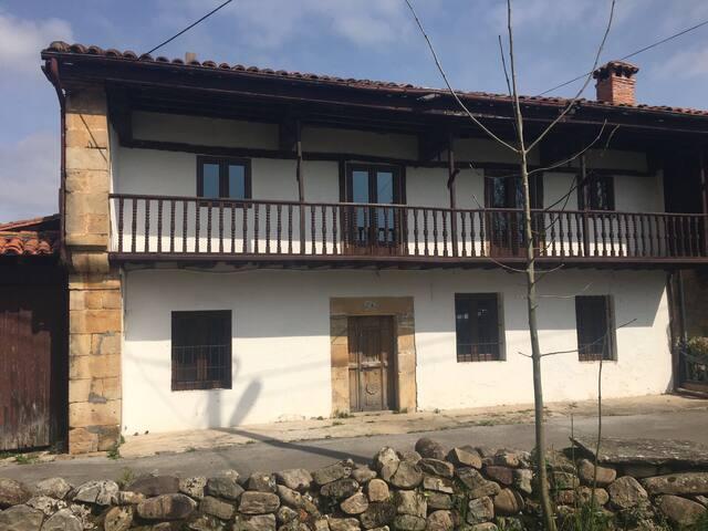 Casa rústica en paraje maravilloso - Corvera de toranzo