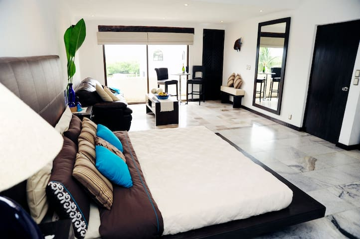 Luxurious B&B Suite in the Cancun Hotel Zone