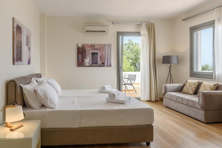 Deluxe Apartment (22) in Chios for 2 adults