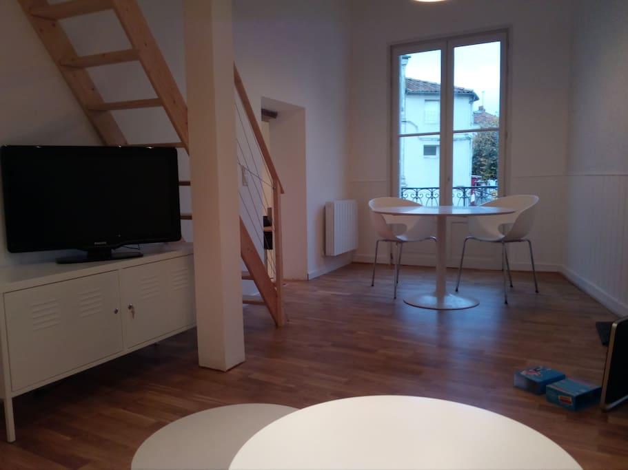 Bel appartement atypique et confortable appartements for Location appartement atypique 92