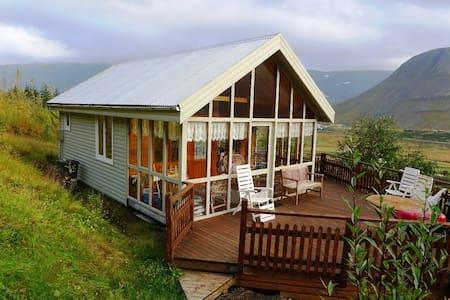Beautiful cabin in Tunguskógur - Ísafjörður