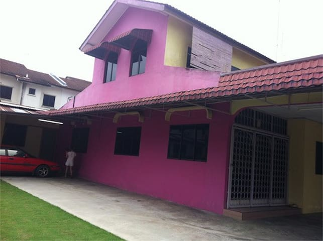 3R1W Entire home in Johor - Tangkak - Hus