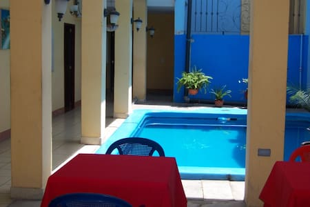 Room with 2 full size beds - Granada