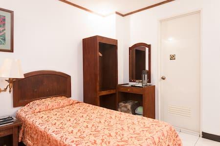 Homey Double Room Cebu City - Cebu City - Apartment