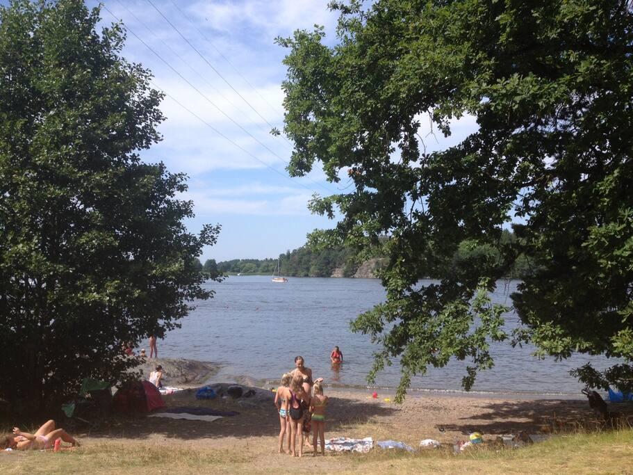 20 minutes away. Lake Mälaren.