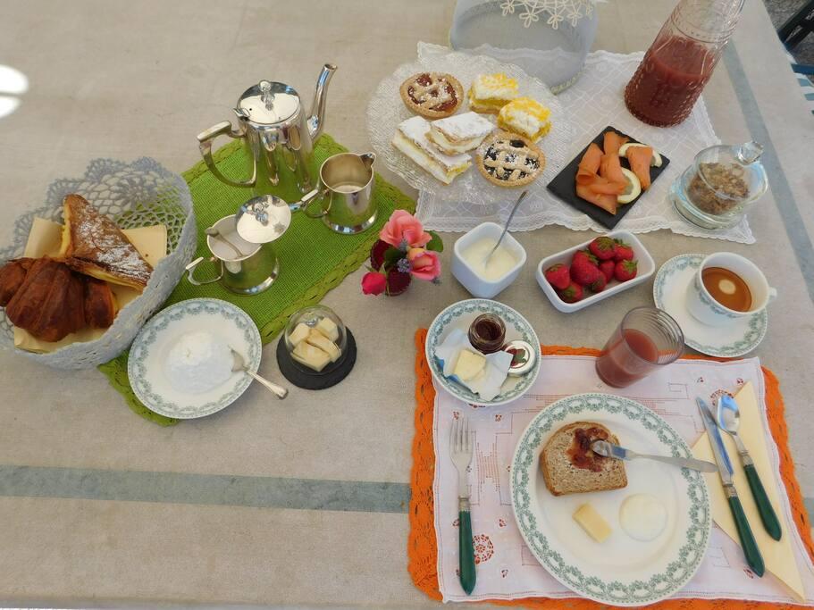 colazione all'aperto
