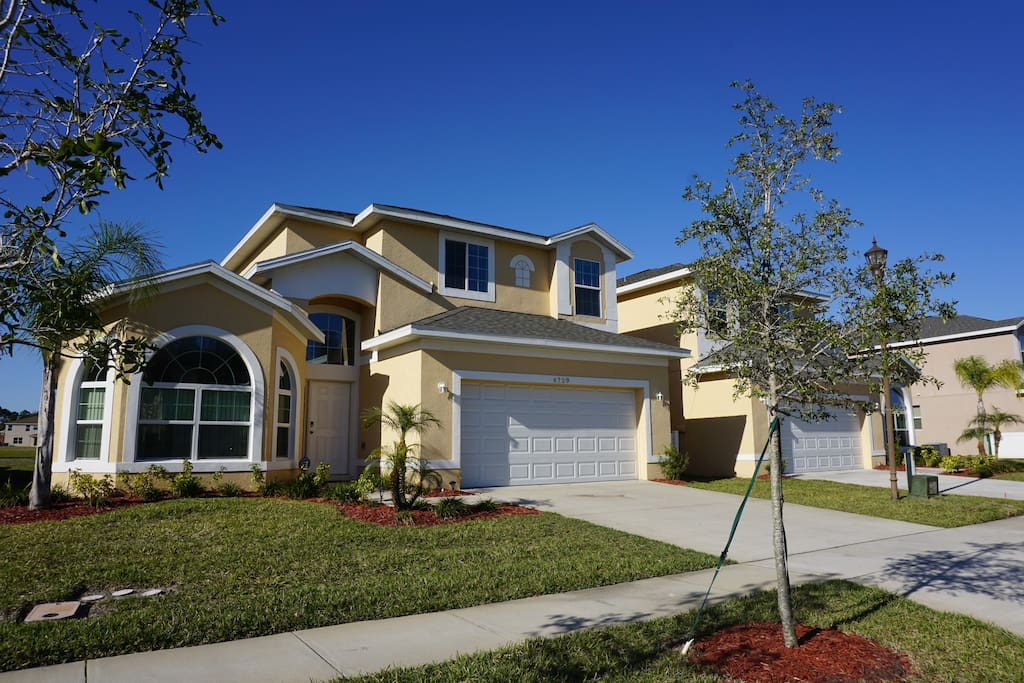 Tropical Lake View Private Pool Houses For Rent In Kissimmee Florida United States