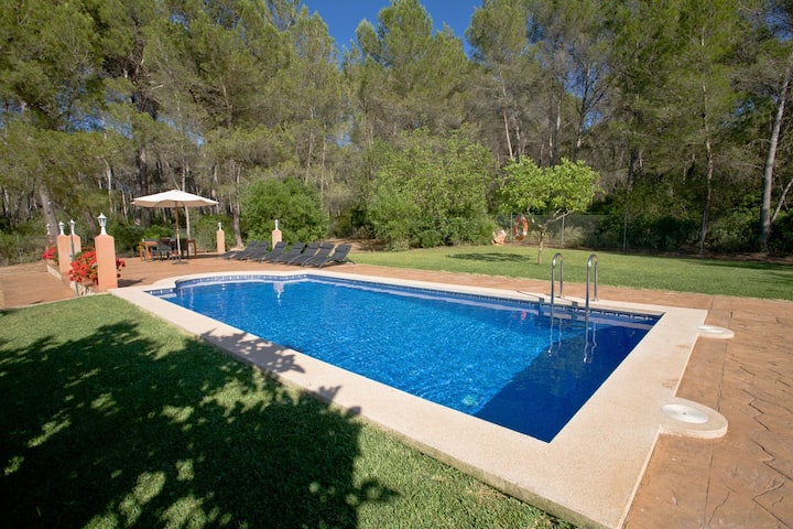 Country house with pool 8 persons