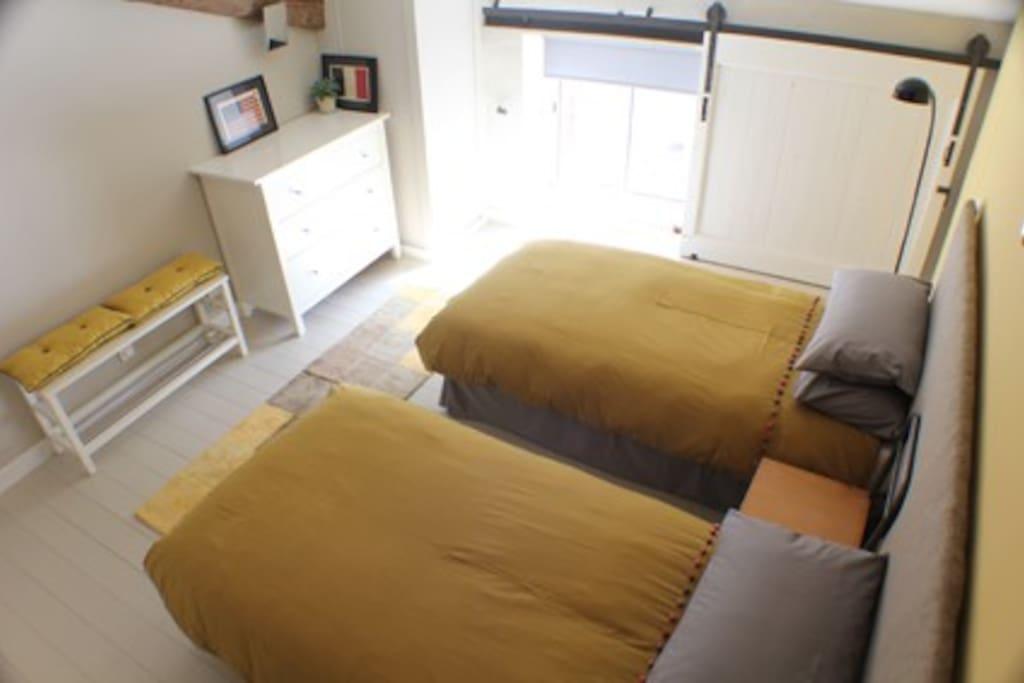 Twin bedroom or super kingsize