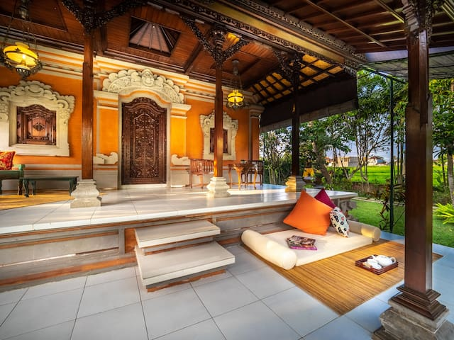 1-BR Ethnic Villa Rice Field View, 15 min. to Ubud