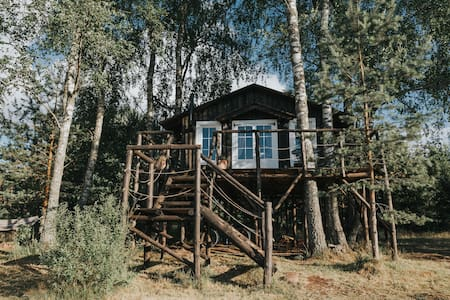Varena Treehouse West