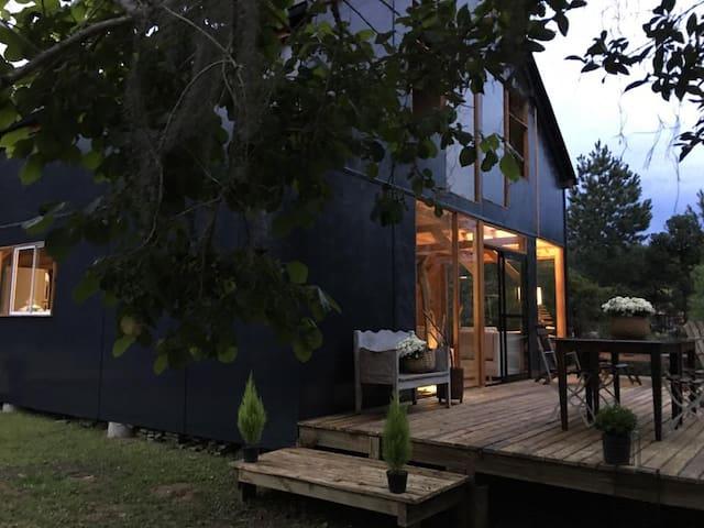 Casa Rancho de Arte - Rio dos Cedros - Cabin