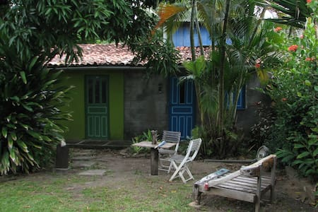 Private apartment in large property close to beach