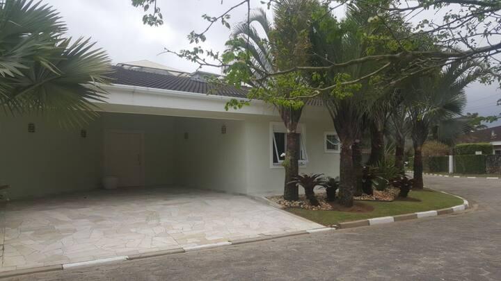 Casa em Condomínio Fechado- Praia do Engenho