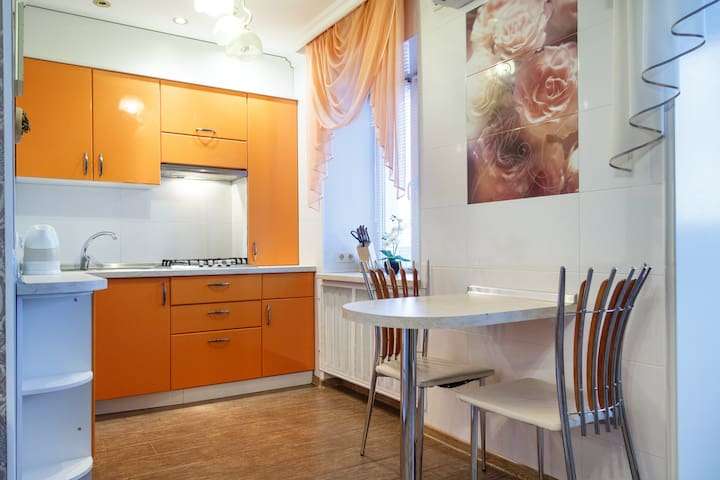 British style apartment - Poltava - Departamento