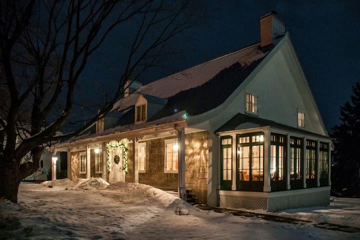 Maison Trépagny-Blackburn 1850. - Château-Richer