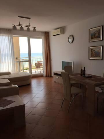 Квартира в  первой линии от моря - Ravda - Apartment