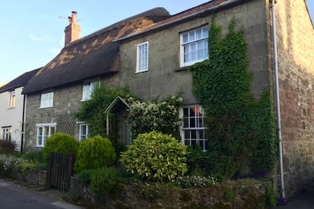 16th Century Cottage in the heart of Shaftesbury - Shaftesbury - Hus