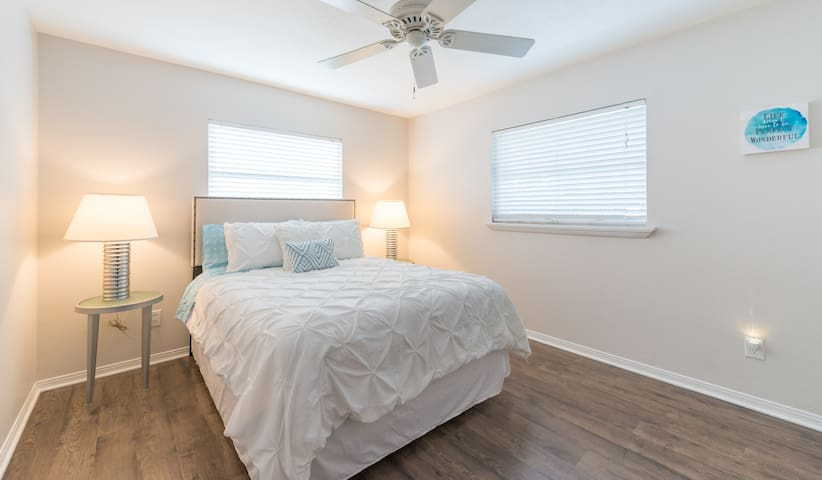 Bedroom 3 w Pool View, Queen. Ample storage to unpack your things in the closet.