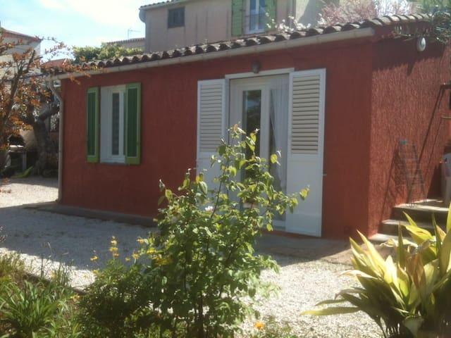 Joli pavillon à Ste Marguerite proche des plages - La Garde - Casa