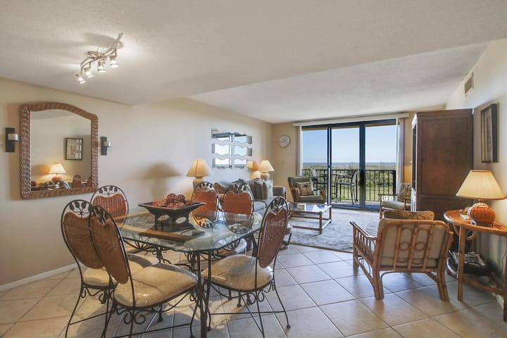 2 bedroom, 2 bathroom, 1st floor unit in the Island Club complex in Folly Field on Hilton Head!