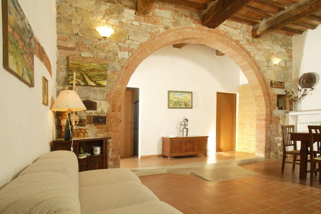 Flat in val d 39 orcia caba as en la naturaleza en alquiler en san quirico toscana italia - Cucina con arco ...