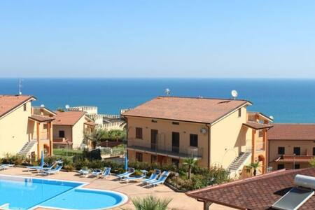 Beautiful seaview+garden apartment - Mandatoriccio - Hus