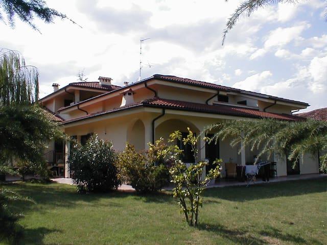 Monferrato 1hto MilanTurinGeneAoste - San Maurizio - House