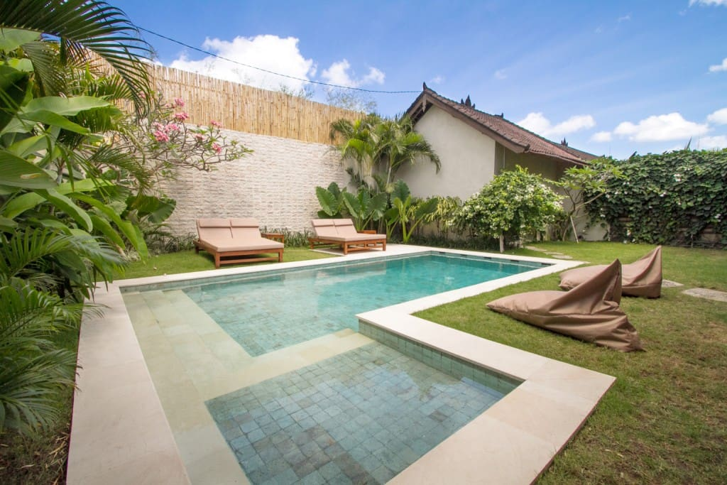 Garden, Pool & Relaxation. 8x3.5m Pool with kids paddling section