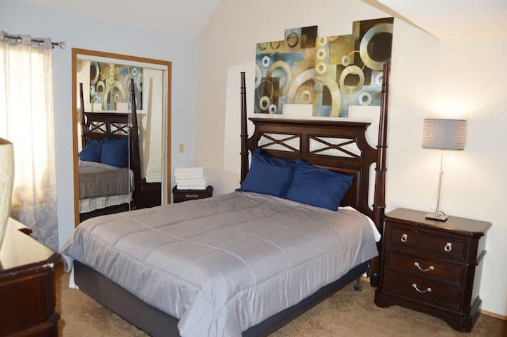 Lovely 1 bedroom condo with a loft - Littleton - Osakehuoneisto