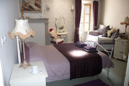 La Grenouille Joyeuse - Bed & Breakfast