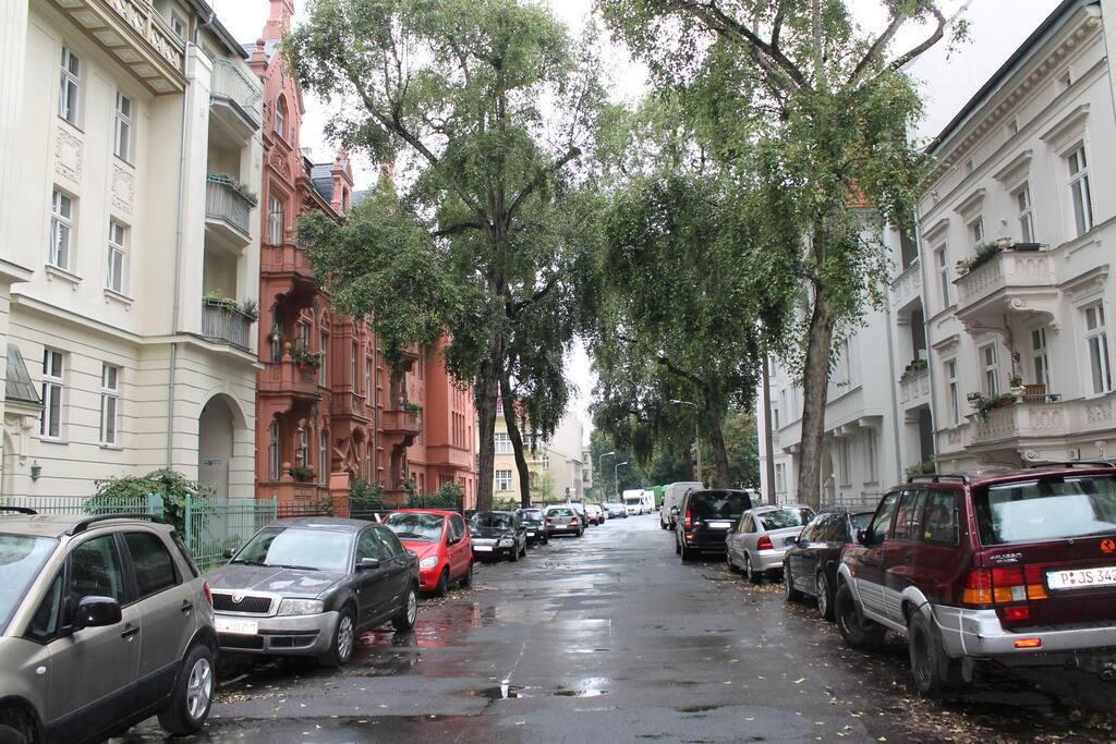 Feuerbachstraße in the rain