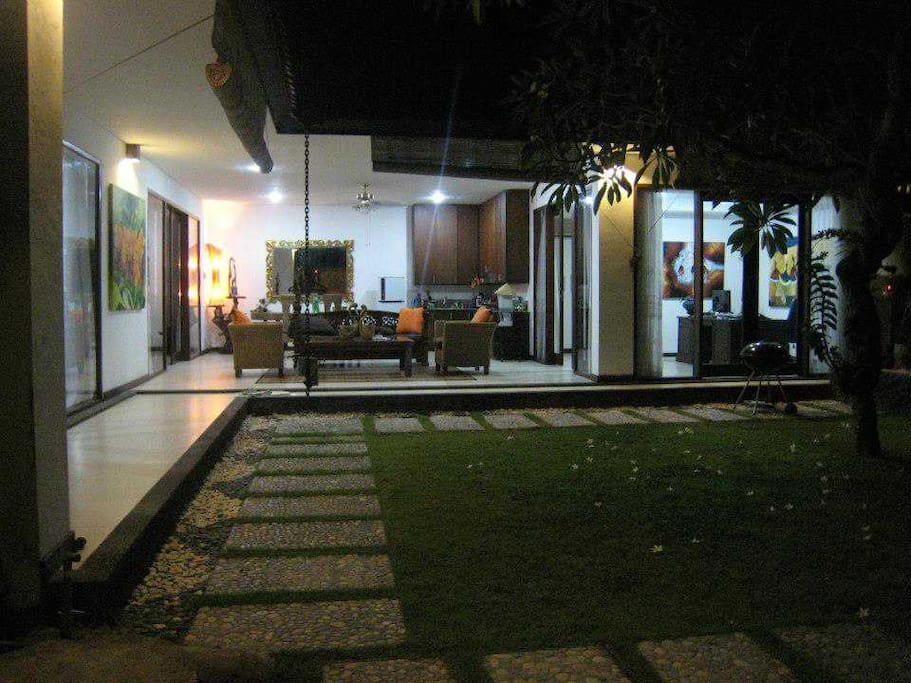 Garden and open space living room - evening