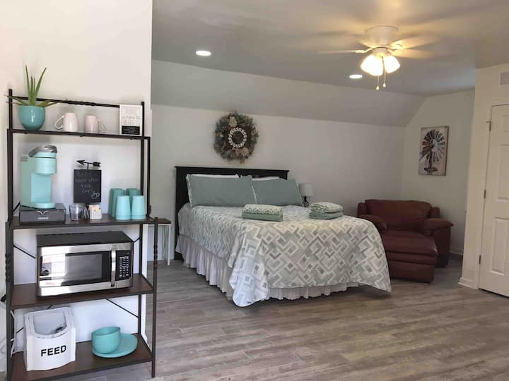 Collierville Downstairs Guesthouse 3 acres w/ pool