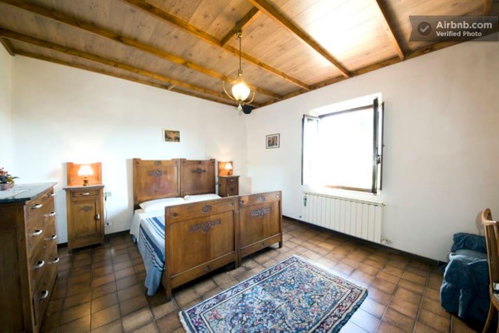 santa caterina b b monteriggioni chambres d 39 h tes. Black Bedroom Furniture Sets. Home Design Ideas