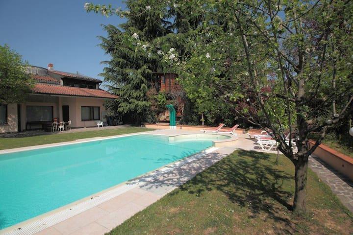 VILLA CON PISCINA - Martinengo - House