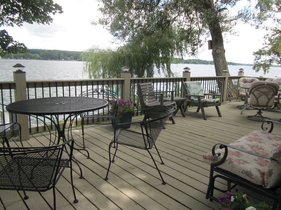 Plenty of room for leisurely dinners on the deck facing the lake