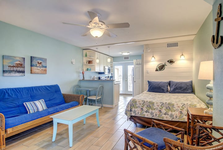 Family-friendly studio condo w/ shared pools, near popular attractions!